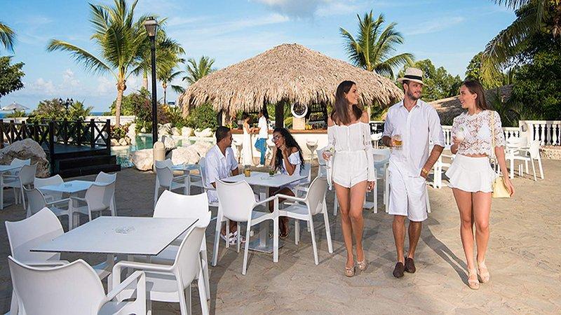 Cofresi Palm Beach, Beach Studio. By Lifestyle, holiday rental in Maimon