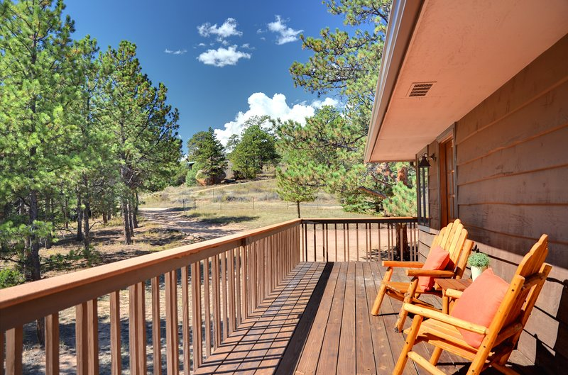 Remodeled Cabin/House, Walking distance to down town, 3 miles form RMNP!, vacation rental in Estes Park