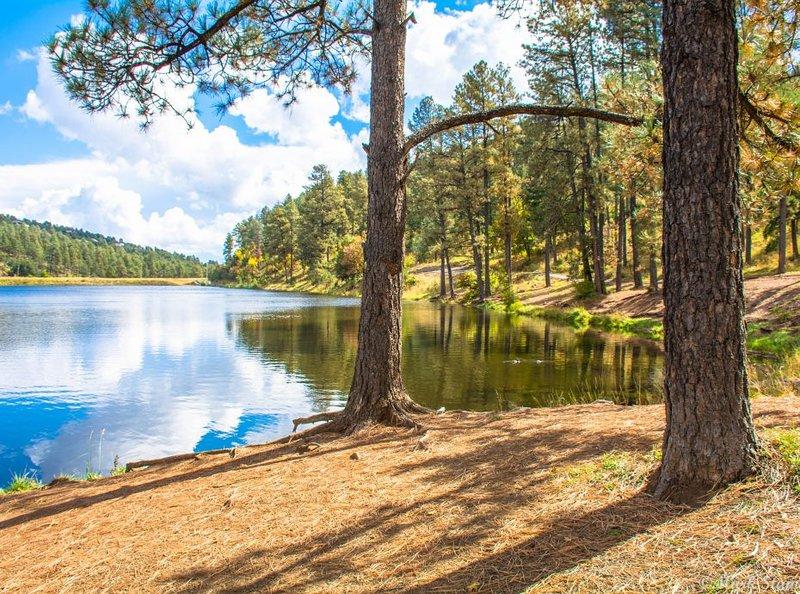 Lago Alto a pocos kilómetros de Big Sky Lodge.