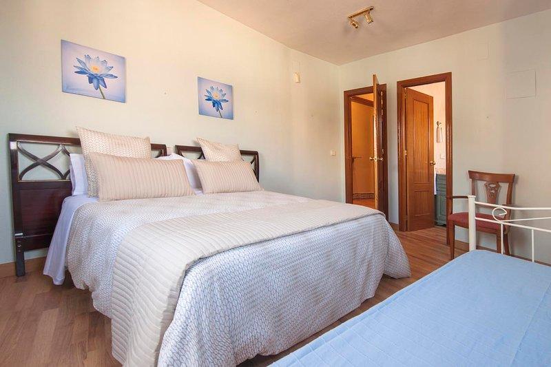 Atico -Terraza, holiday rental in Val de Santo Domingo
