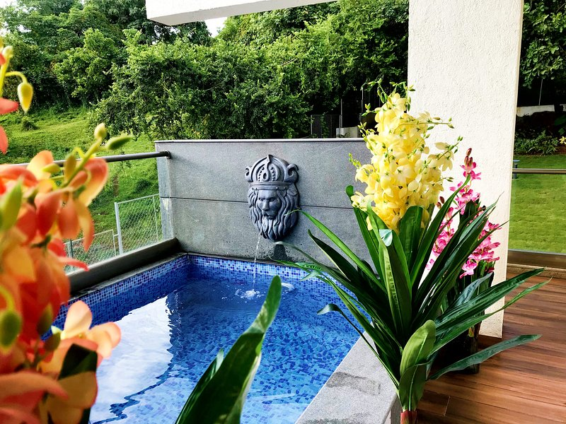 RIVER HEIGHTS 6BHK Luxury River View 2 Plunge Pool, vacation rental in Candolim
