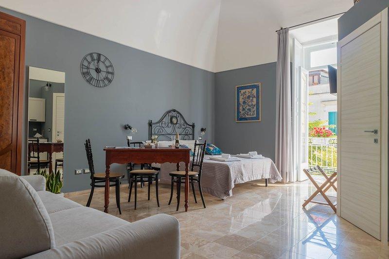 La cattedrale sul mare - Suite 9, holiday rental in Trani