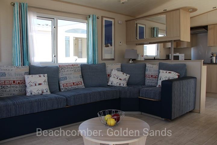Beachcomber Luxury Caravan - Golden Sands Rhyl, vacation rental in Kinmel Bay