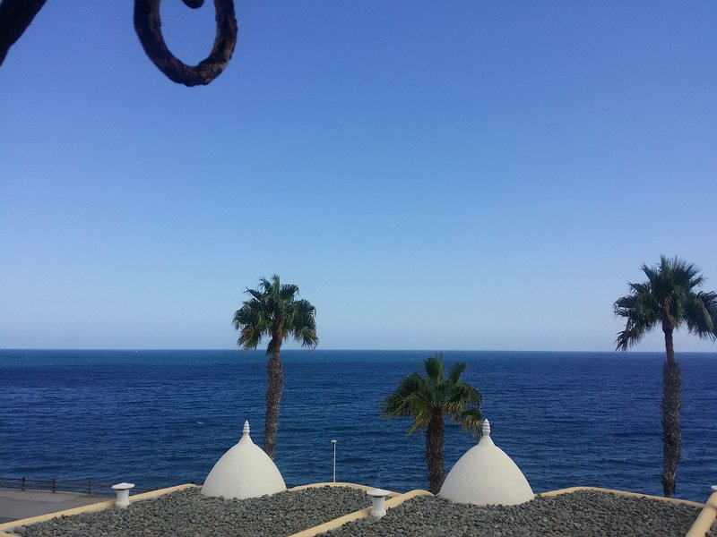 5* views 360 degree on the beach with a sangria on your balcony and hear the waves 50 meters away