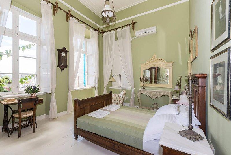 Villa Maria-Syros,Iris, location de vacances à Ano Siros