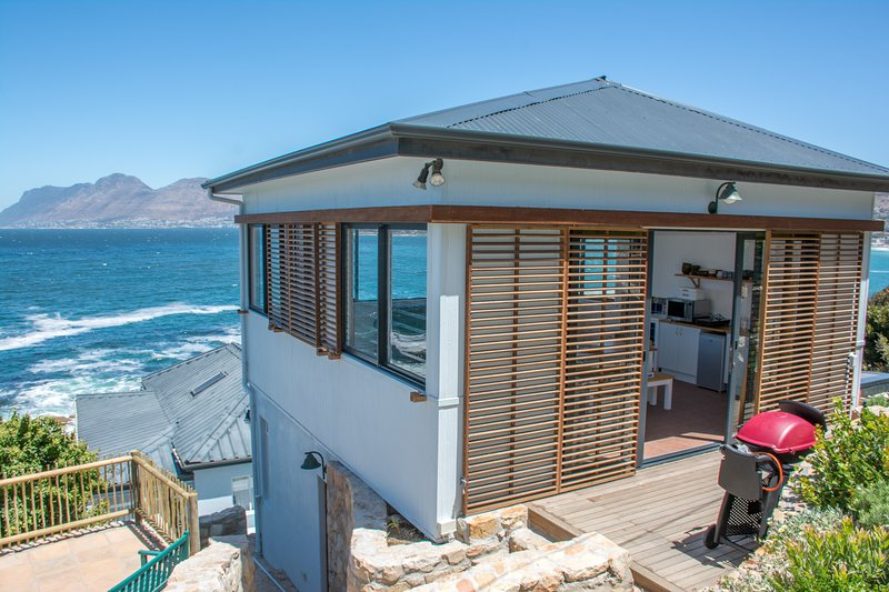 Modern Beach Apartment, holiday rental in Clovelly