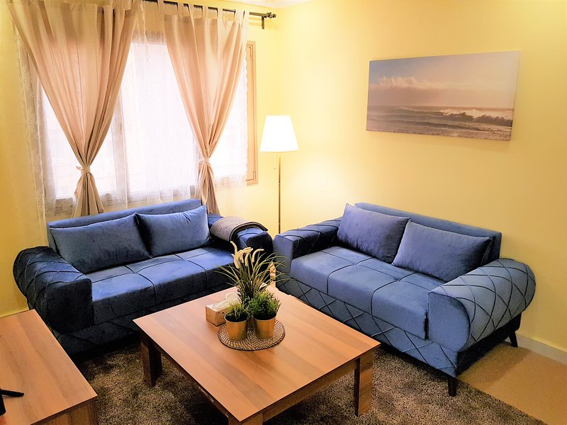 Mahboula Cozy 2 Bedroom, holiday rental in Kuwait City