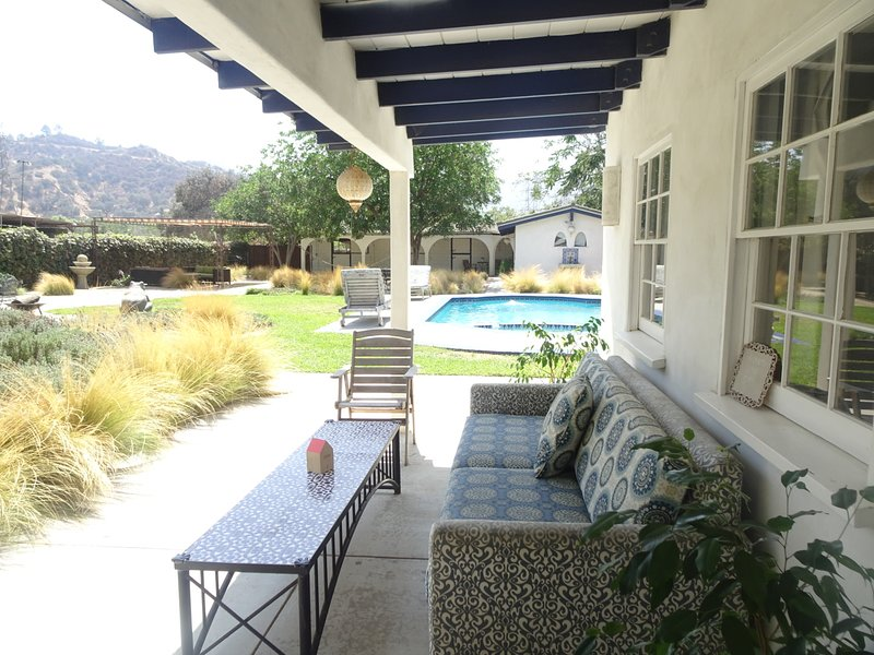 Pool House in North Griffith Park, vacation rental in Glendale