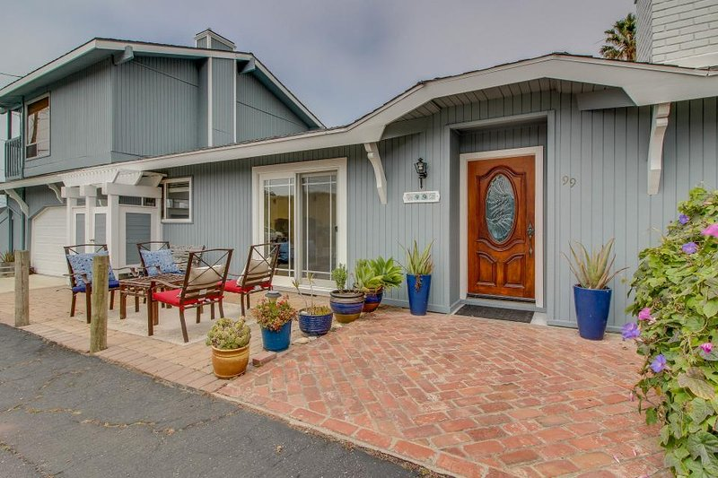 Ious Dog Friendly Cayucos Duplex Just Moments From The Beach And Town