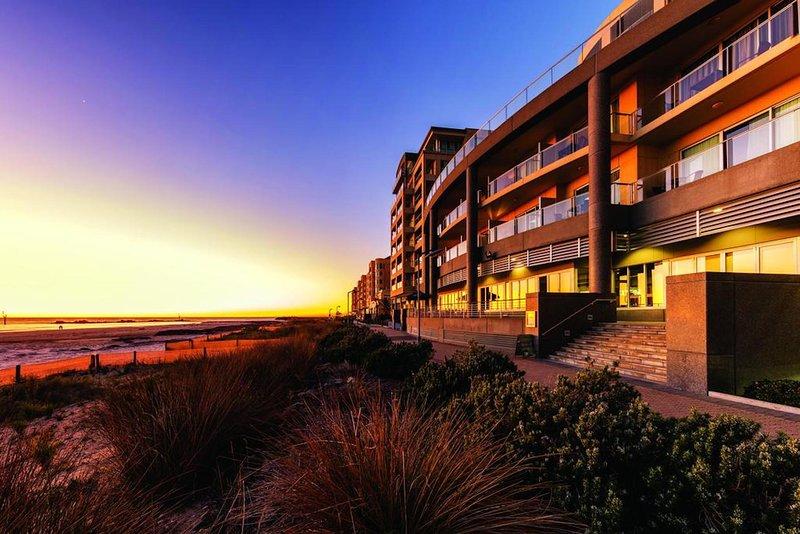 Pier Apartment - Ocean View - no 311, casa vacanza a Glenelg