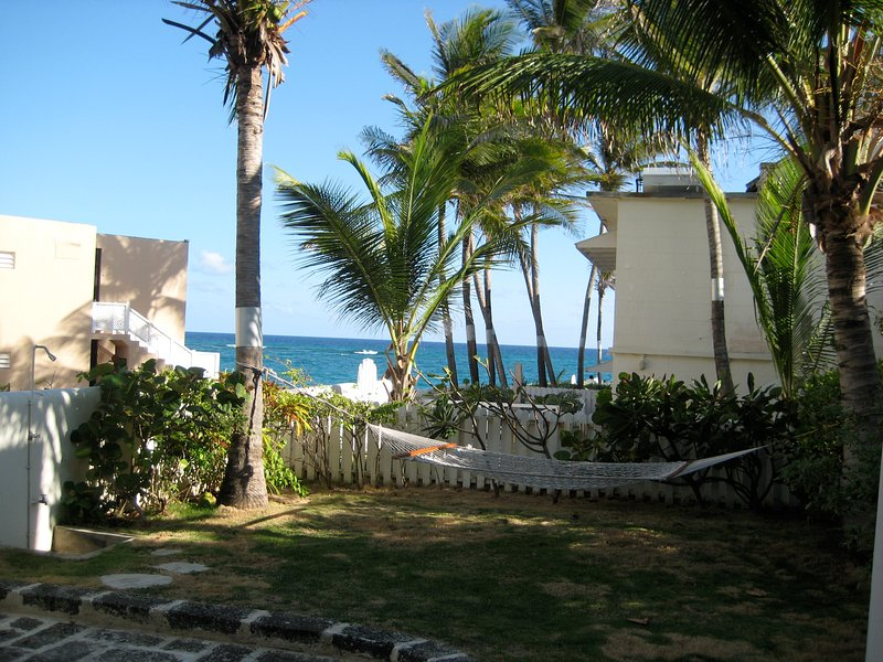 Inchcape Seaside Villas - The Coconut Studio, holiday rental in Silver Sands
