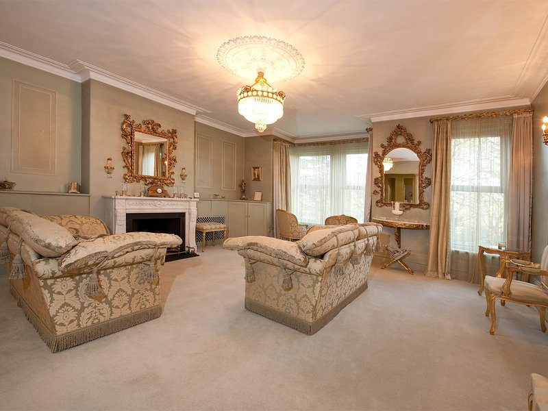 HH073 Apartment situated in Harrogate UPDATED 2019 ...