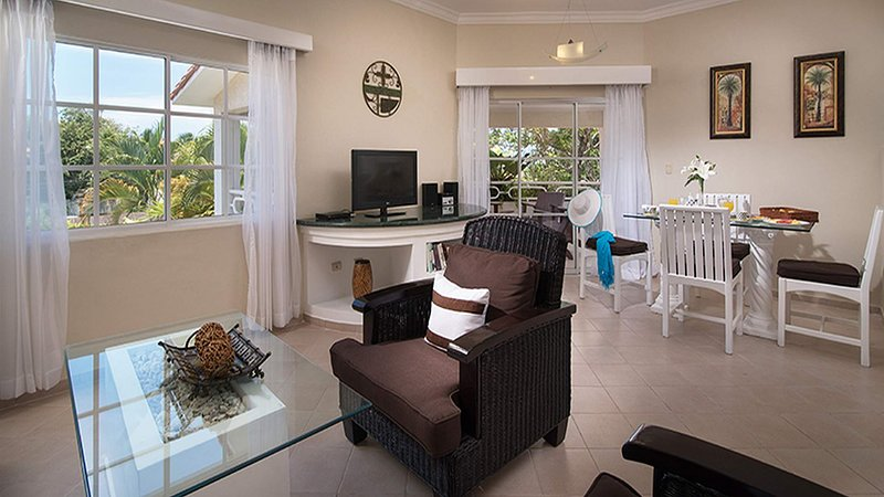The Residence Suites, two bedroom. by lifestyle, holiday rental in Maimon