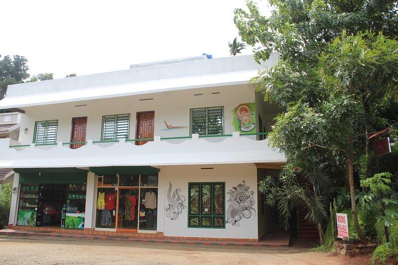 Lovely two Bedrooms In Ramakaklmedu, vacation rental in Santhanpara