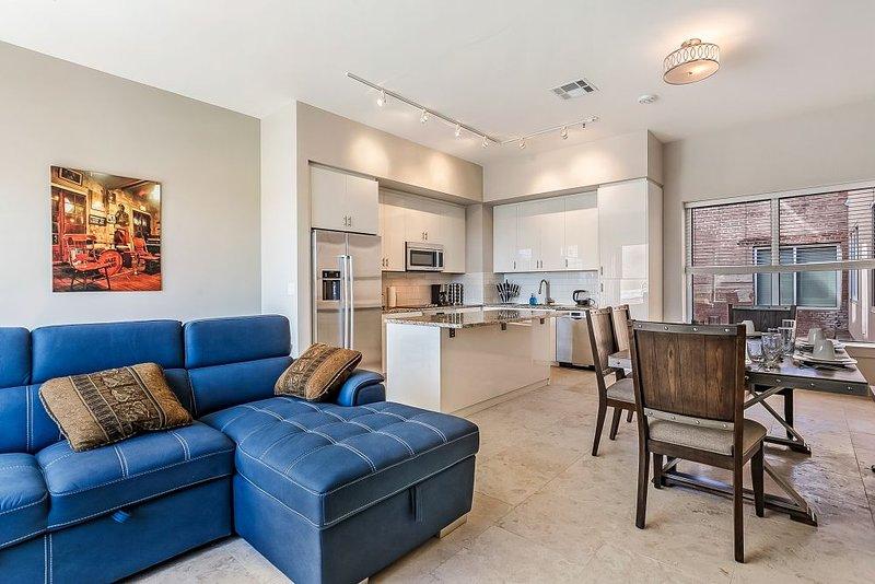 Luxury 2bd Penthouse W Private Terrace Near