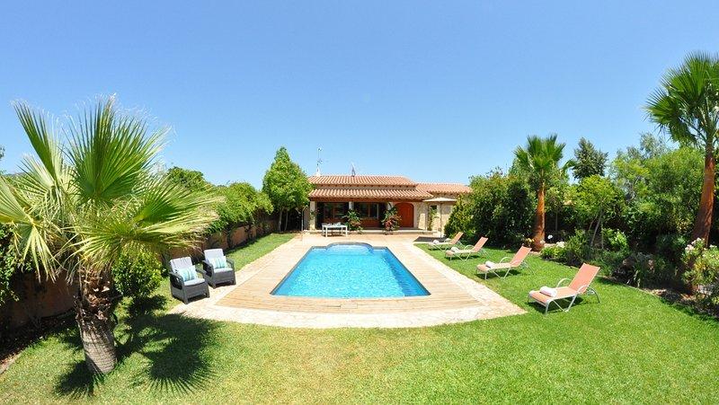Villa Vista Verde in Sa Pobla nahe Pollenca, vacation rental in Sa Pobla
