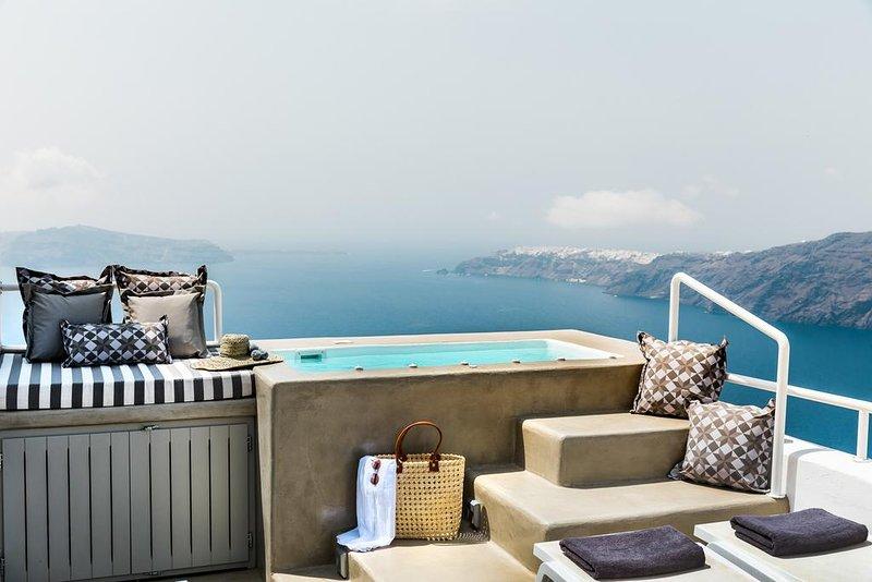 360° Caldera view house, holiday rental in Imerovigli