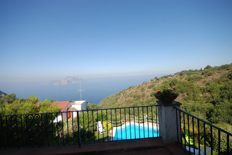 Termini Villa Sleeps 10 with Pool and WiFi - 5218151, vacation rental in Roncato