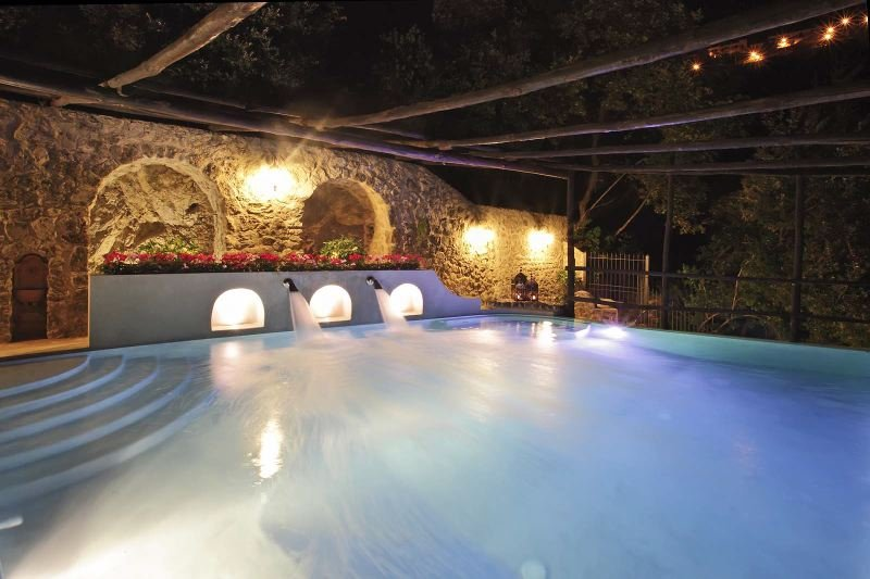Conca dei Marini Villa Sleeps 12 with Pool Air Con and WiFi - 5218271, vacation rental in Vettica