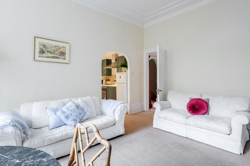 Grand One Bedroom in Kensington (W14), alquiler de vacaciones en Chiswick