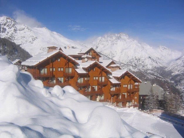 Lumineux T3 au pied des pistes dans le massif des Ecrins, casa vacanza a Puy-Saint-Vincent