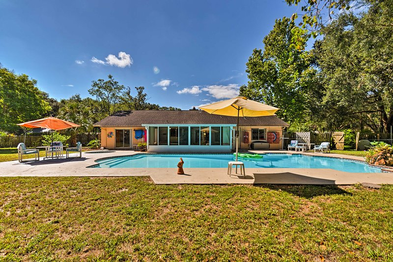 Family Home w/Shared Pool - 6.5Mi to Wekiva Island, location de vacances à Apopka
