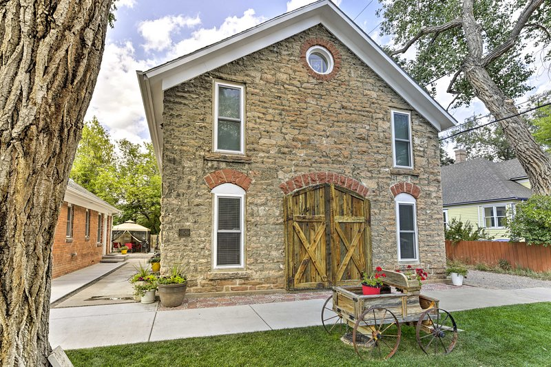 Charming Historic Condo w/Grill, Walk to Dtwn & UW, holiday rental in Laramie