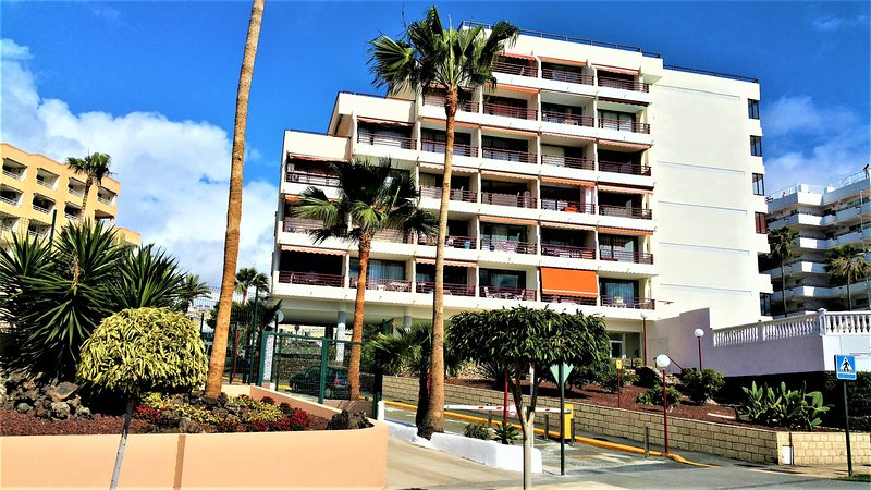 Playa de las americas sea views updated 2019 holiday for Decor international tenerife