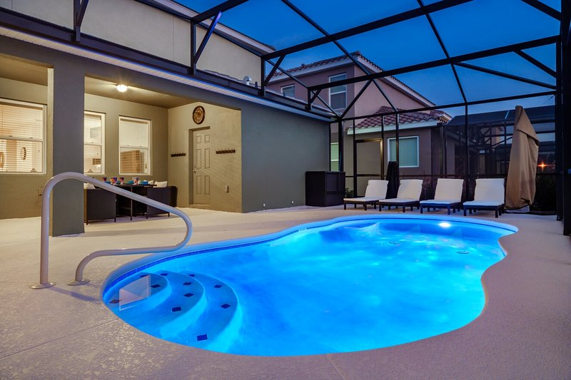 Solterra Brand New | Now Big Discounts | Heated Pool | Movie & Games Rooms, holiday rental in ChampionsGate