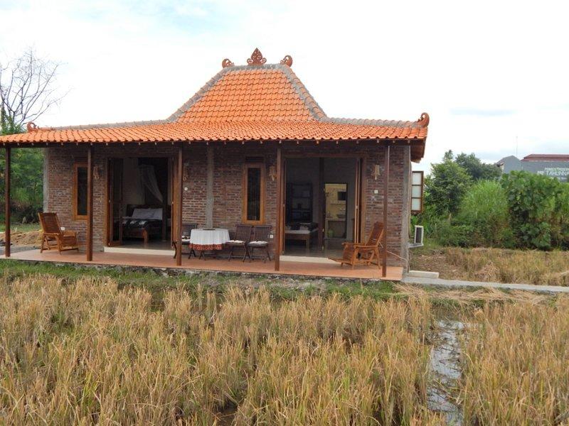 Je privé all-inclusive villa, met zwembad aan zijkant, 2 grote slaapkamers en grote badkamers, uniek uitzicht