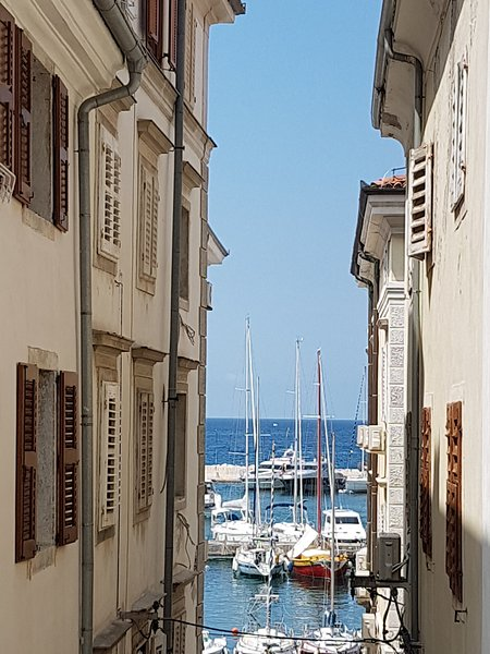 Seaview Romantic Apartment - NEW,  Heart of Piran, holiday rental in Slovenian Istria