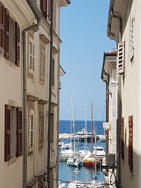 Seaview Romantic Apartment - NEW,  Heart of Piran, holiday rental in Piran