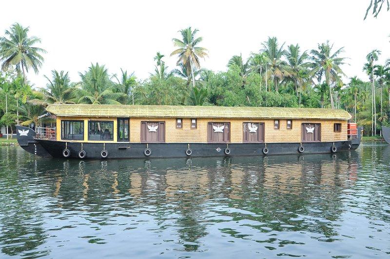 Angel House Boat Executive, alquiler vacacional en Alappuzha District