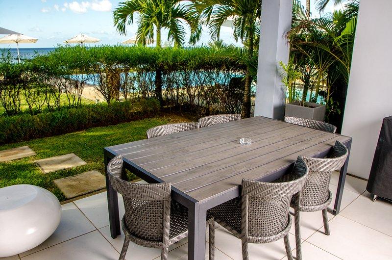 Plage Bleue Premium Seaview Suite by Dream Escapes, vacation rental in Triolet