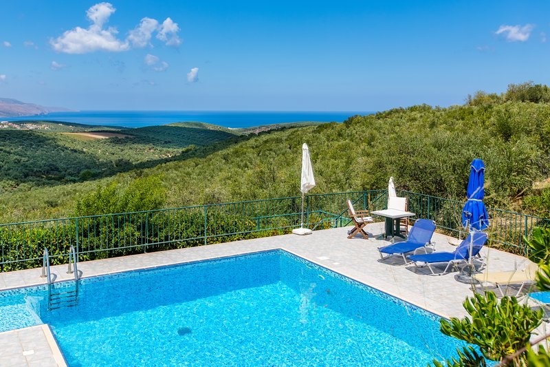 Private pool★Exclusive Mill Villa ★Sea view★4bedrooms, holiday rental in Voukolies