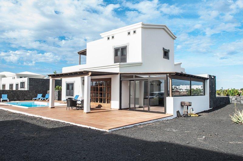 VILLA AMBAR, holiday rental in Playa Blanca