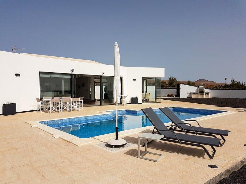 Sunrise Villa, location de vacances à Guisguey