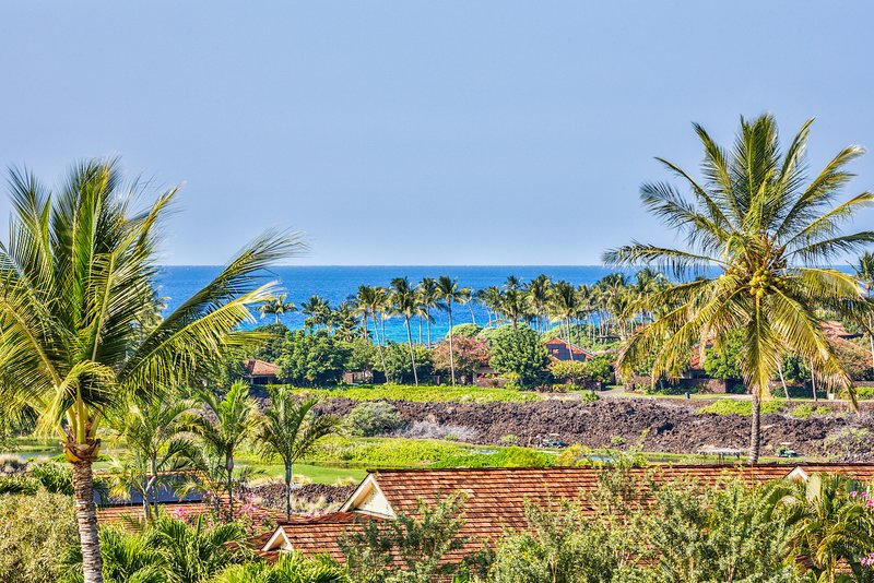 Gorgeous panoramic ocean views from the lanai, living room, dining room, and kitchen.