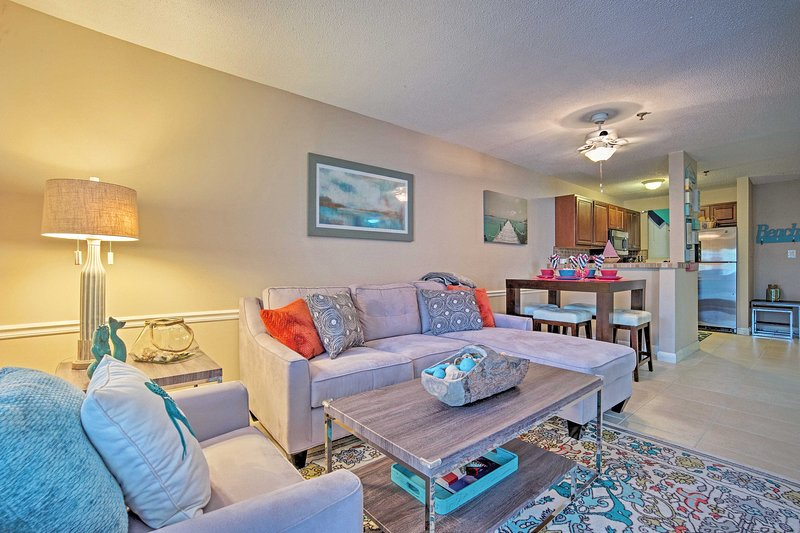 Hilton Head Resort Condo w/ Pools & Beach Access!, holiday rental in Bluffton