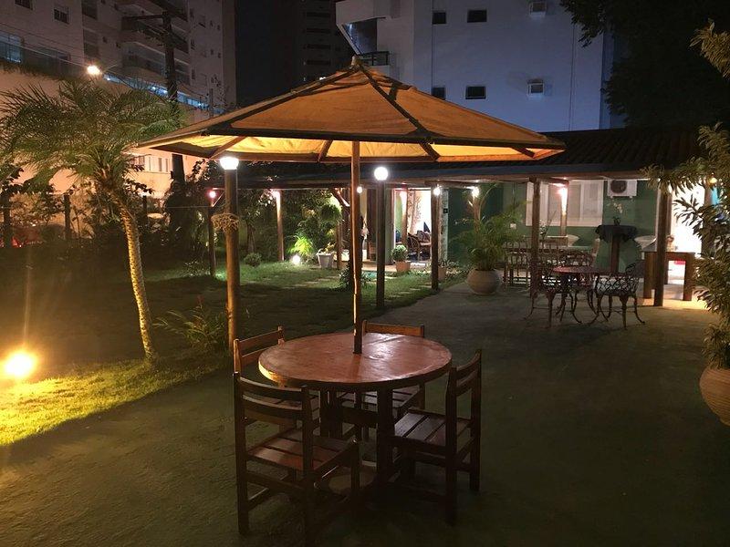 última reforma com instalação de mesas e cadeiras externas