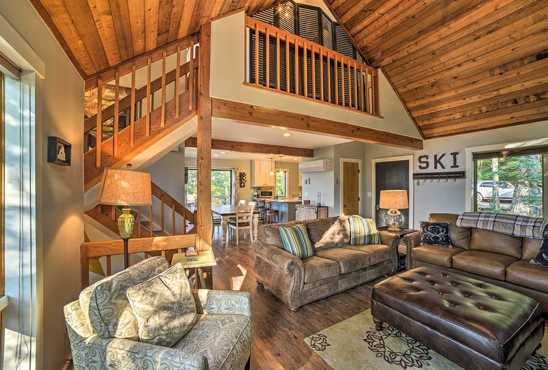 Escape to Wintergreen for a grand time at this 3-bed, 3-bath vacation rental!