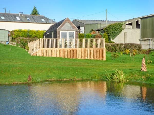 I-HUT, single story chalet, on a working farm, pet-friendly, near St, holiday rental in Sprytown