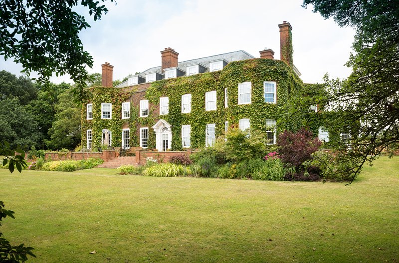 Luxury 5* Manor House In Devon With Sea Views, vakantiewoning in Otterton