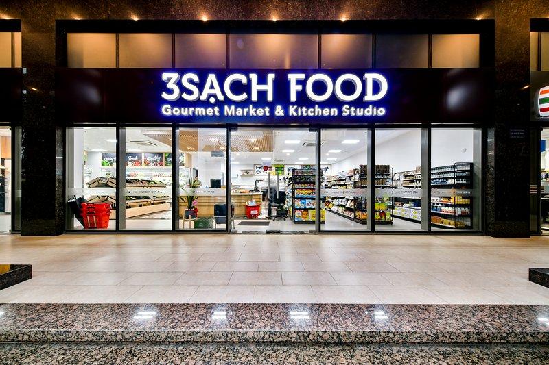 Gourmet market & kitchen studio on ground floor