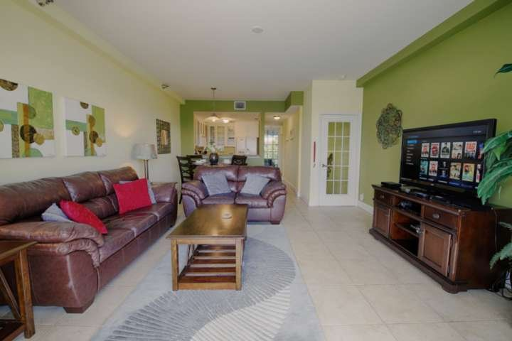 Comfortable Living Area for Movie Watching or Relaxing After A Day at the Beach on Tampa Bay!