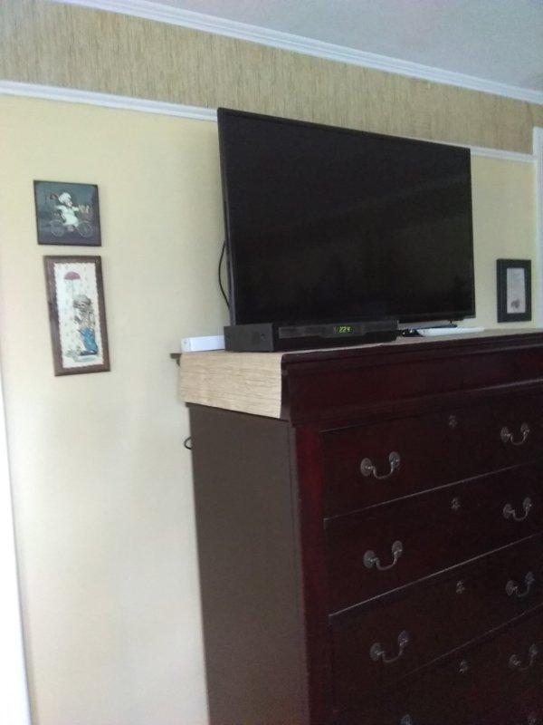 Cômoda com 2ª TV