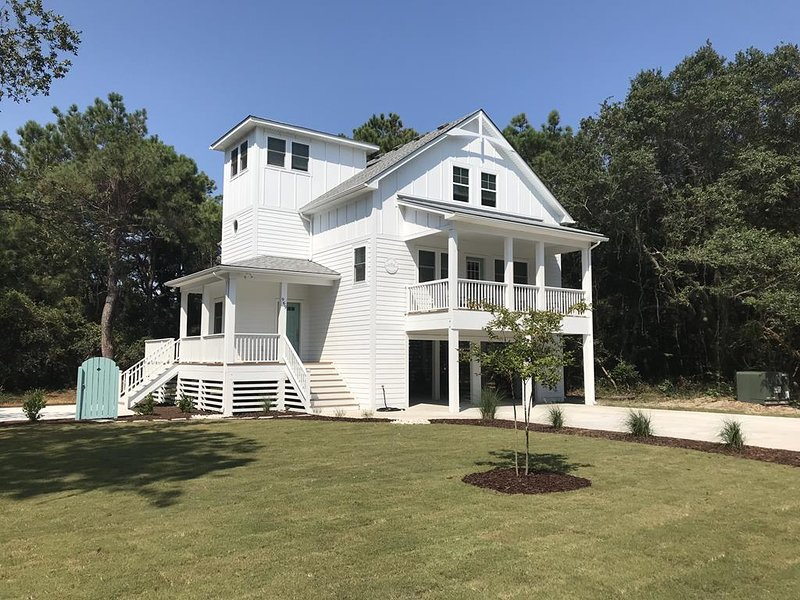 Ghost Crab Cottage - 4 Master Suites In Monteray Shores, alquiler de vacaciones en Corolla