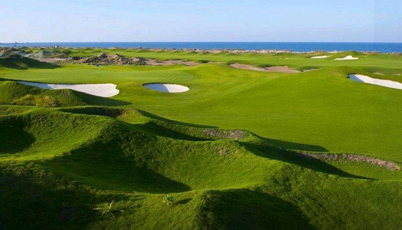 Al Mouj Golf 10 minutes drive