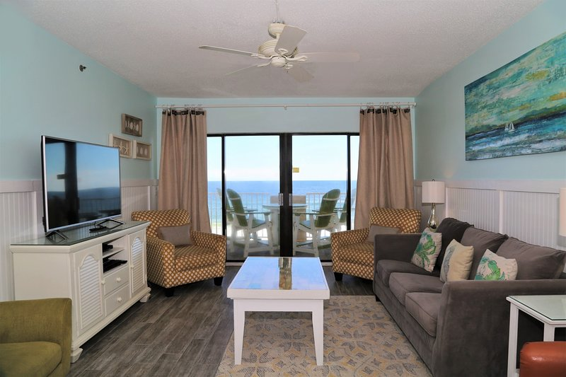 Prime, corner-unit offers a spacious, open layout