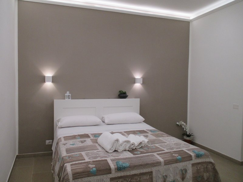 Dolphin House, holiday rental in Taranto